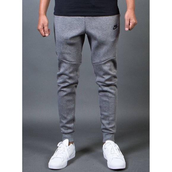 nike tech fleece jogger in grey